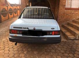 Ford Sapphire  for sale for R35000 price negotiable.