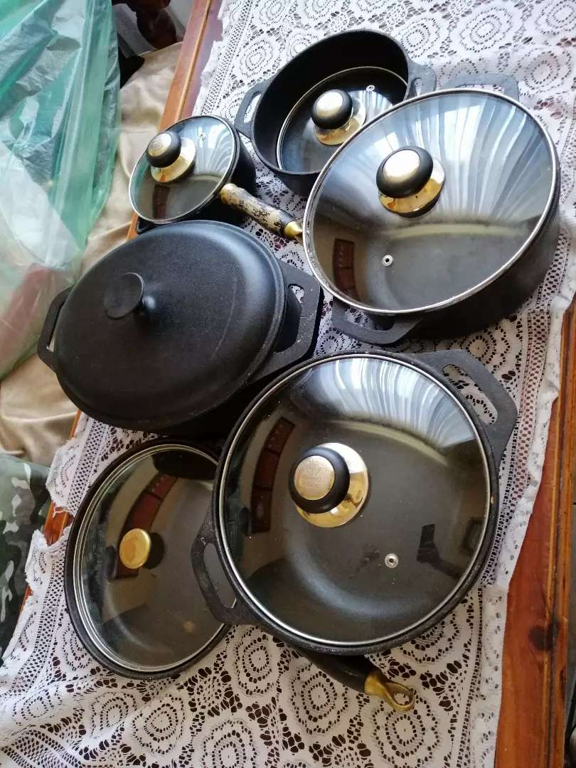 Cast Iron Pots for sale 0
