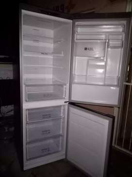 We fix fridges freezers coolers aircons and coldrooms