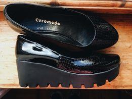 Туфли на подошве «трактор»