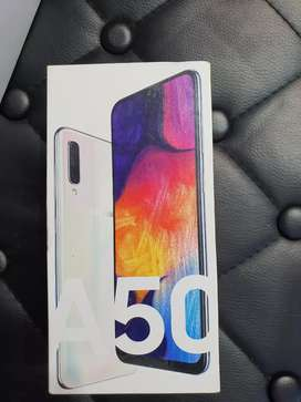 Samsung Galaxy A50   2sim   4GB ram   64gb new