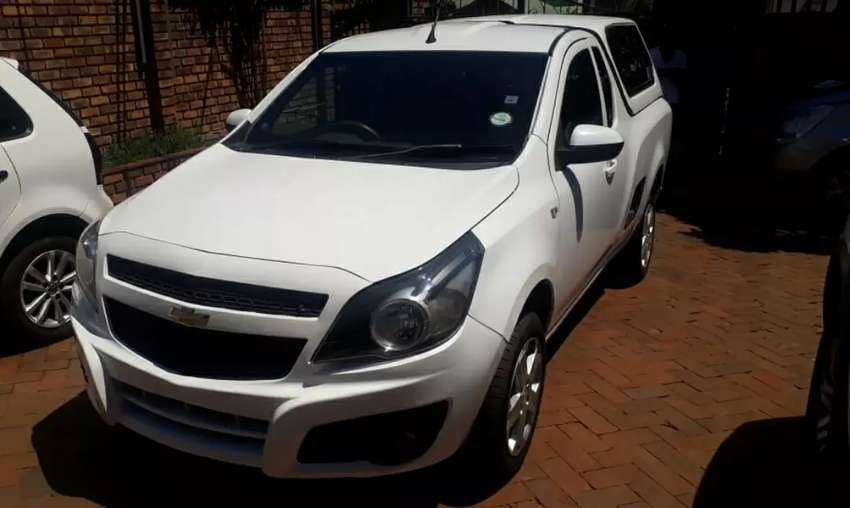 2013  Chevrolet  bakkie 1.4 with canopy 0