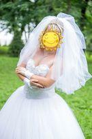 Свадебное платье, букет, перчатки, фата, диадема, туфли