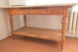 stół drewniany kuchenny z kamiennym blatem