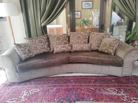 4-seater couch in fabric plus 2-seater couch