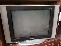Телевизор Samsung 69см б/у
