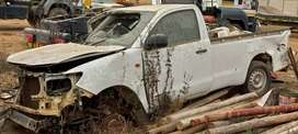 Toyota hilux 2.0 petrol stripping for spares