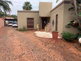 3 Bedroom House  with Flat to rent
