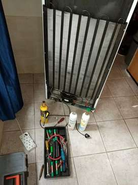 FRIDGE FREEZERS REPAIRS AND RE-GASSING ON SITE