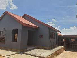 Beautiful family house to let in soshanguve m