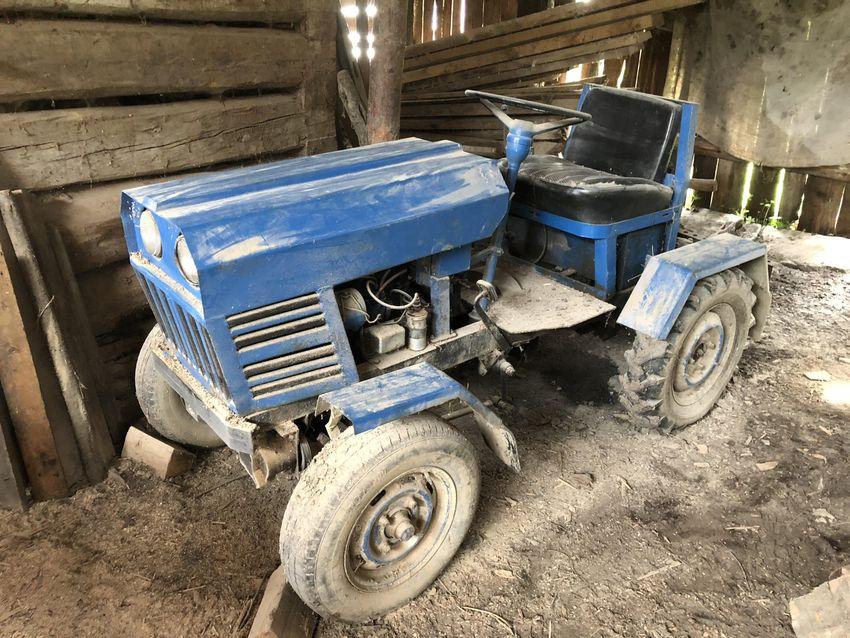 Predam funkcny robeny traktor 0