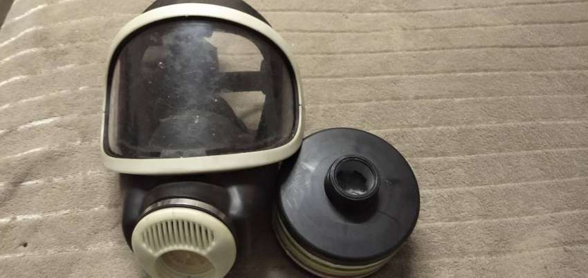 AUER gas mask with attachment 0