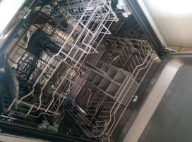 Russell Hobbs dishwasher for sale. Price negotiable le