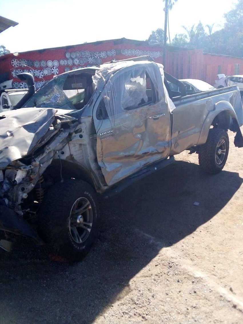 Toyota Hilux D4D S/C 2x4 Stripping for spares 0