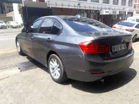 BMW 320i R 119 000 negotiable