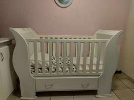Wooden sleigh cot and compactum