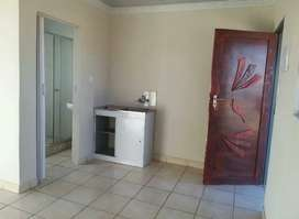 Bachelor  rooms(Ensuite)at tshepisong  phase1