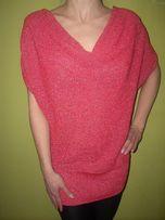 Sweterek akrylowy z lecącym dekoltem
