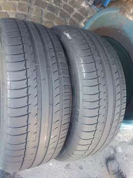 2 quality used tyres for sale 245/45/R20 Michelin latitude sport