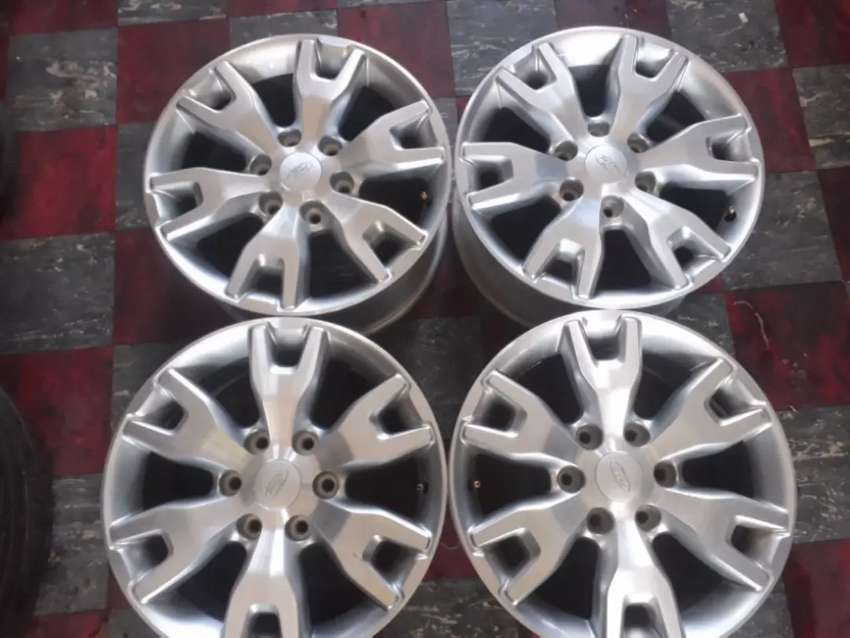 """18"""" Ford Ranger silver mag wheels only. 0"""