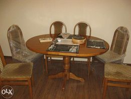Комплект стол и стулья из натурального дуба.