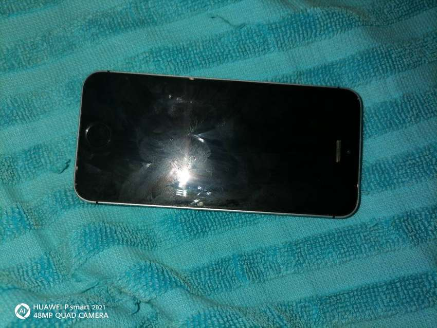 IPhone 5S its been 3 years using it am selling it