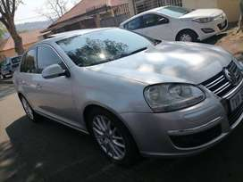 VOLKSWAGEN JETTA 5 WITH SUN ROOF AND AUTOMATIC 2.0 TFS