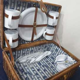 Beautiful vintage picnic basket
