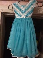 Платье,нарядное на 2-3 года