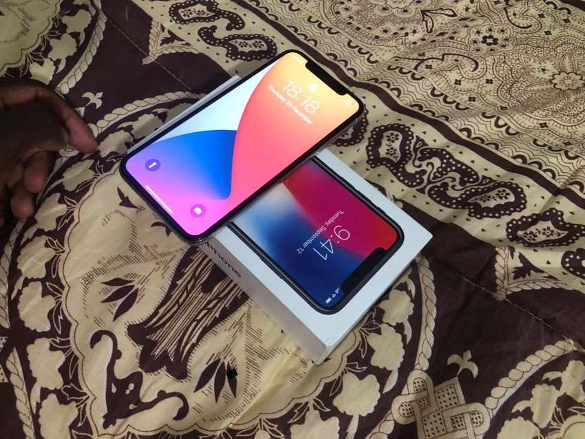 Iphone X 64GB Available everything works 0