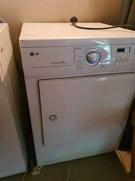 Washing machine, tumble dryer, dishwasher