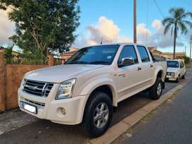 2011 isuzu kb240 low kms