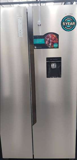 Hisense fridge freezer only 7 months old as new