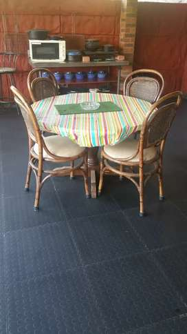 Indoor or outdoor table and 4 chairs