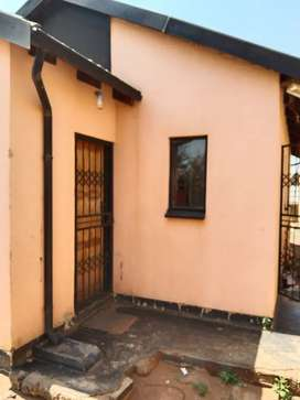 3 bedroom house available for rental in Protea glen ext 9