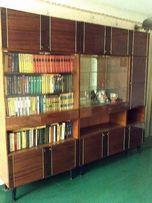 Стенка, книжный шкаф и сервант. Размер 250х215х40 см