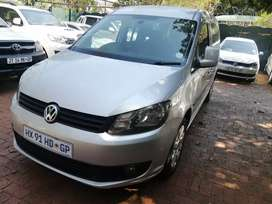 2011 VW caddy automatic diesel engine with only 214000km