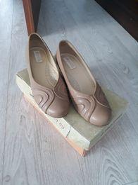 Buty skórzane kolor nude 38,5