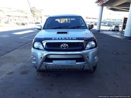 Toyota Hilux 3.0D4D Manual Transmission.