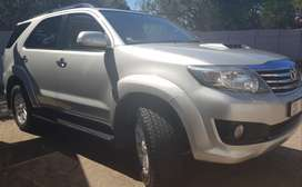 Toyota Fortuner 3.0 D-4D Auto 4x4 Full Toyota Service History 7 Seats