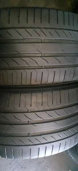 Two seconds hand tyres sizes 275/40/20 continental run flat  available