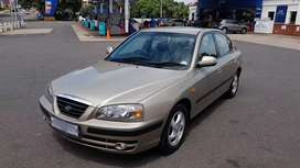 Low Kms: Hyundai Elentra 1.6GLS (1 Owner)