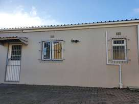 1 bedroom seperate entrance ottery