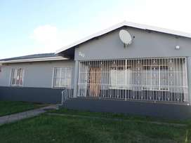 3 Bedroom House for Sale in Mountain Rise
