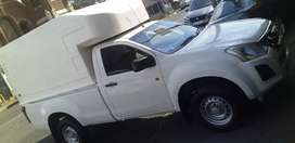 ISUZU KB 250 SINGLE CAB with canopy in very good condition