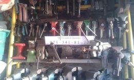 Тиски(тиса) слесарные для мастерской