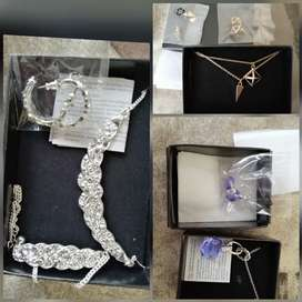 NEW - Jewellery sets with matching earrings
