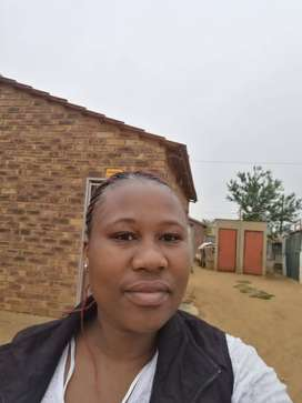 Experienced and hardworking ZIM nanny/maid with refs needs work