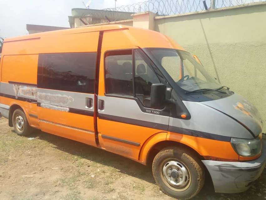 Ford Transit 100 T300 Bus 0