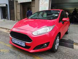 Ford Fiesta 1.6 trend line 2015 manual for SELL